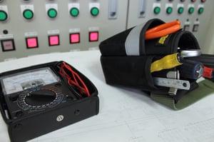 漏洩電流の危険性と対策―測定・計算の方法もご紹介