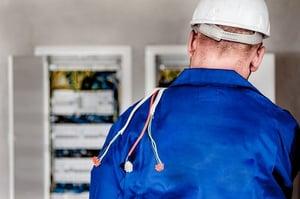 インターロックとは?作業者の安全を確保し、安心して働ける職場の確保へ