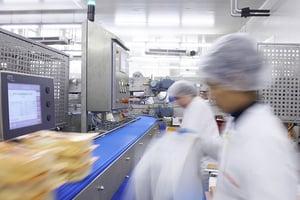 食品工場効率化の製造設備自動化に求められる条件と導入時の注意点と課題