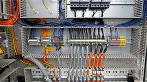 配線作業のコツと注意点!制御盤内の結線・きれいな電気配線の方法