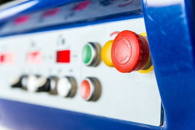 操作盤とは?制御盤などとの違いや設計時の注意点