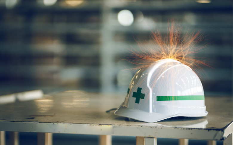 制御盤の過電流と過電圧 ― 発生原因と対策