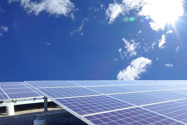 太陽電池エネルギーの仕組みと種類―光電変換|光を電気に変える方法